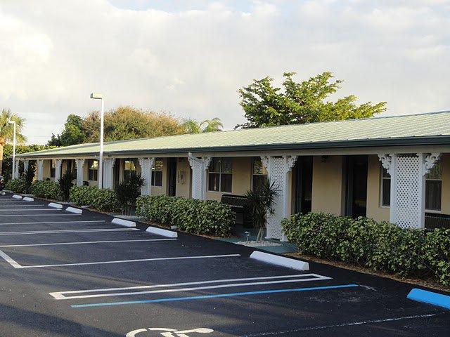 Tequesta Palms Inn Motel